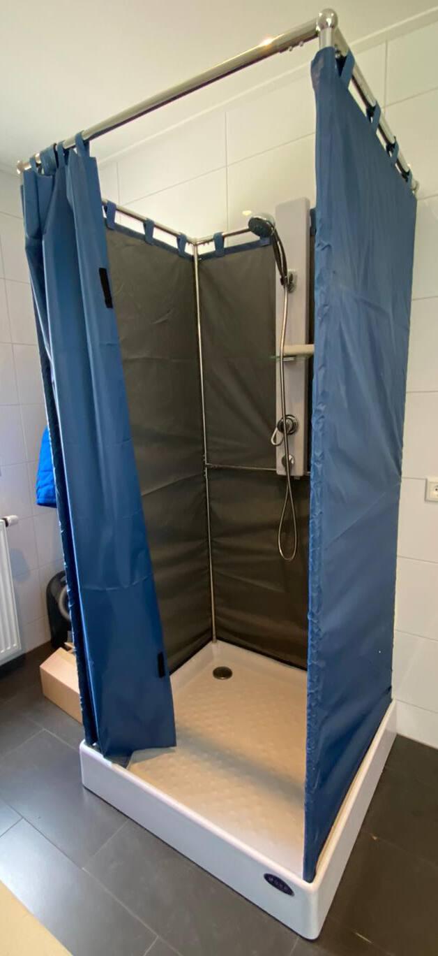 Verbouwing van woning of badkamer. Een nooddouche huren is de oplossing